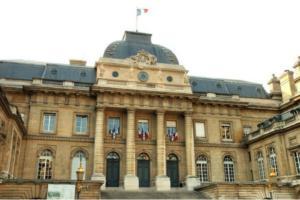 juridiction-compétente-litige-location-immobiliere-tribunal-instance-Paris-LE-SERVICE-DE-GESTION